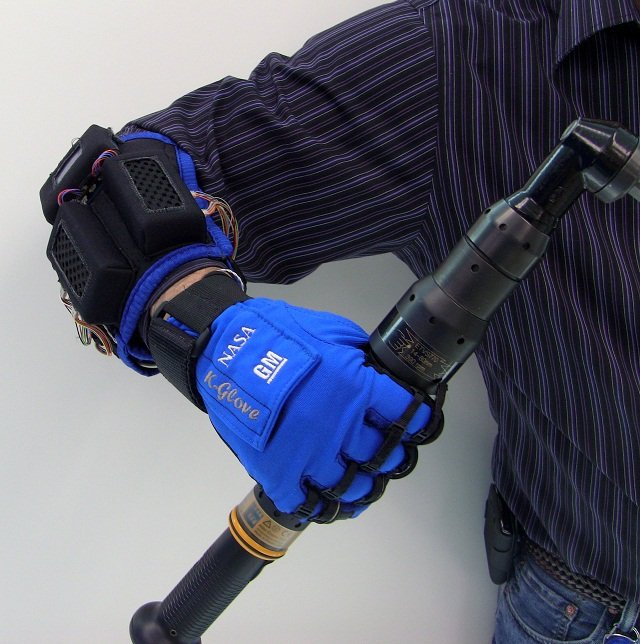 GM Partners With NASA To Create Auto Workers' Dream Glove