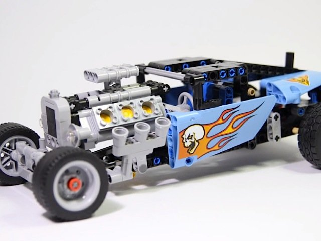 Video: Brick Builder's Time Lapse Assembly Of A Lego Technic Hot Rod