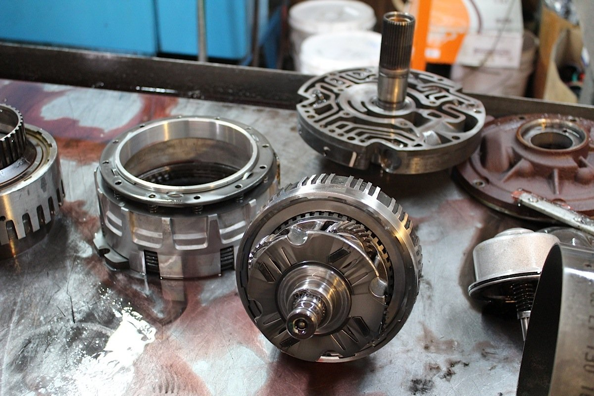 Everything You Need To Know About Rebuilding A 4l80e Transmission 1995 Chevy 4x4 4l60e With All The Components Out Of Housing Doctor Steve Gave Each One Thorough Inspection See What Could Be Re Used And Needed