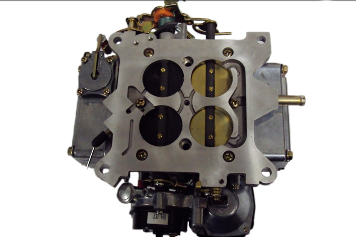 Comparing the Street Demon with a Traditional Holley Carb