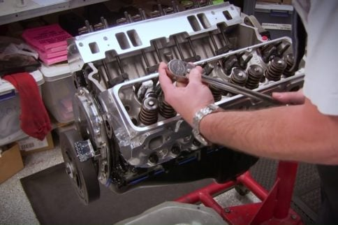 Video: Guideplate Adjustment Process For Small-block Chevy Engine