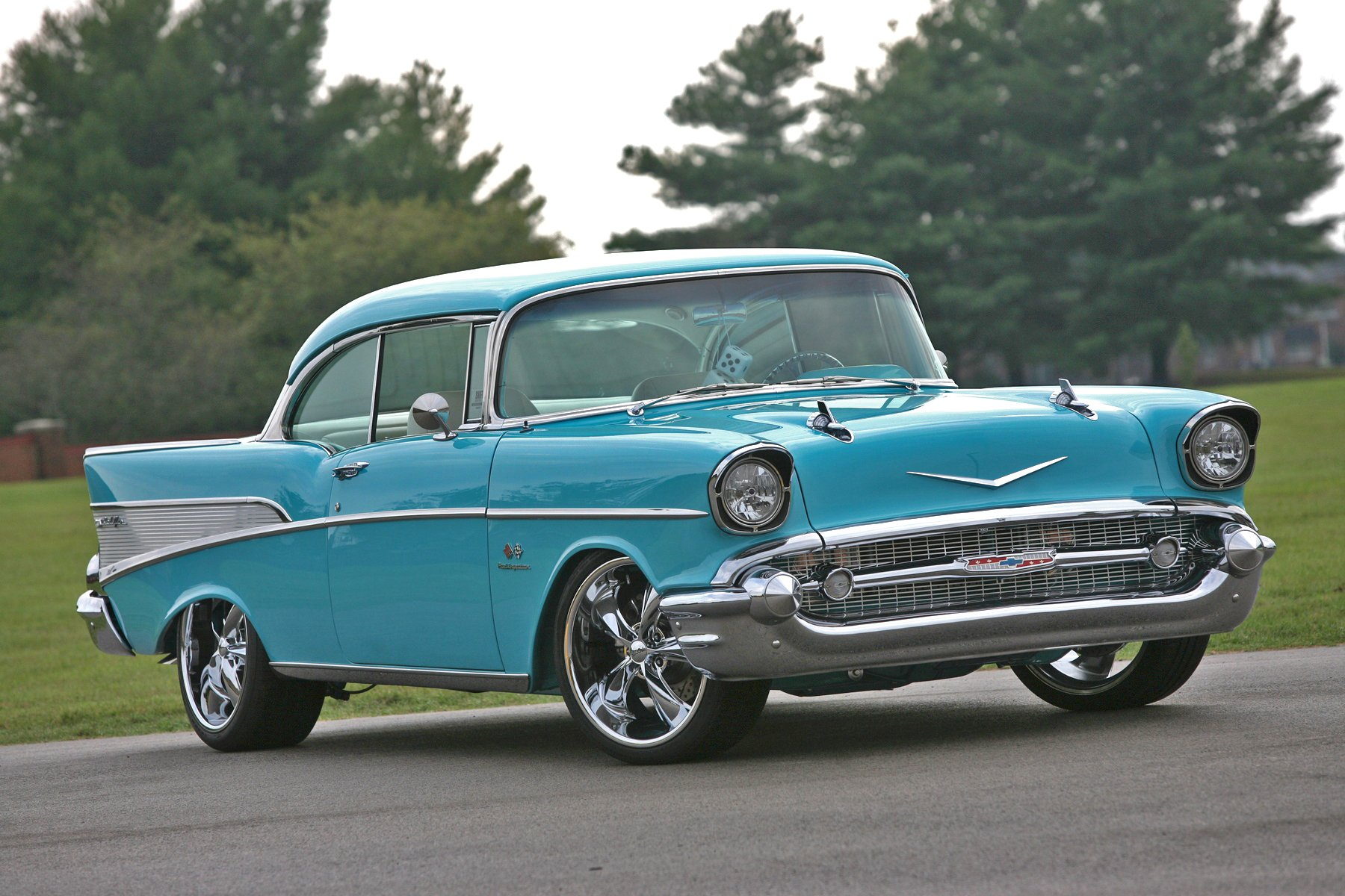 The New Chevelle >> Linsday McLaughlin's Blue '57 Chevy Blends Both Old and New