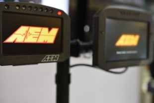 PRI 2018: New Flat-Panel Dash Displays From AEM