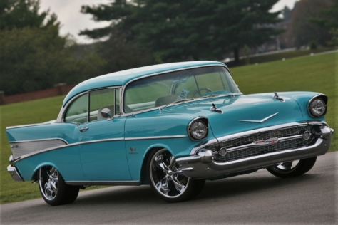 linsday-mclaughlins-blue-57-chevy-blends-both-old-and-new-0024